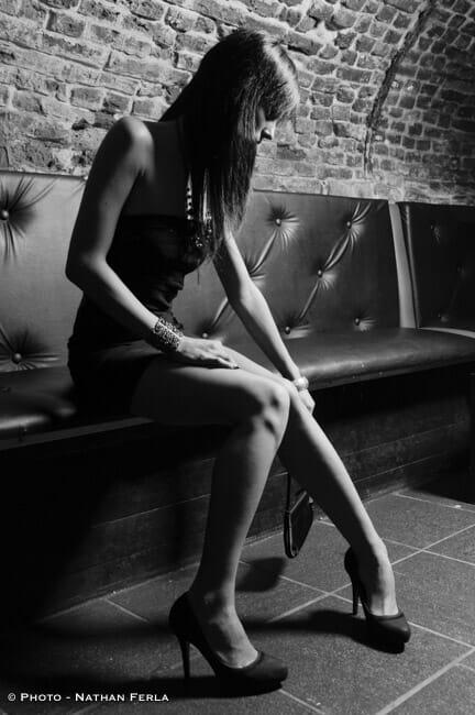 photographe de mode bar pose sexy